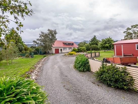47 Boundary Road, Featherston, South Wairarapa - NZL (photo 2)