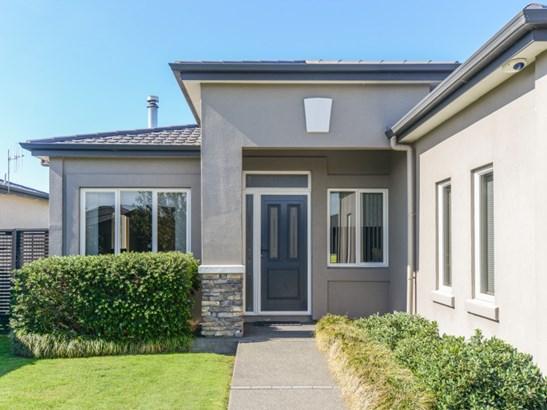 13 Heynes Place, Clive, Hastings - NZL (photo 2)