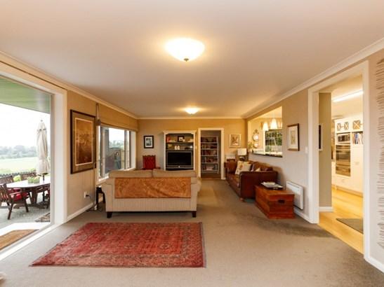 108 Clifton Terrace, Fitzherbert, Palmerston North - NZL (photo 4)