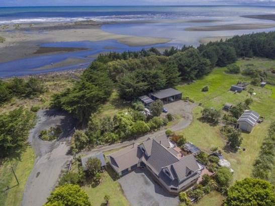706 Kuku Beach Road, Manakau, Horowhenua - NZL (photo 2)