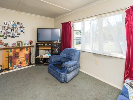 12 Duigan Street, Gonville, Whanganui - NZL (photo 3)