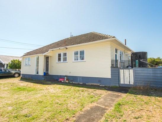 12 Duigan Street, Gonville, Whanganui - NZL (photo 5)