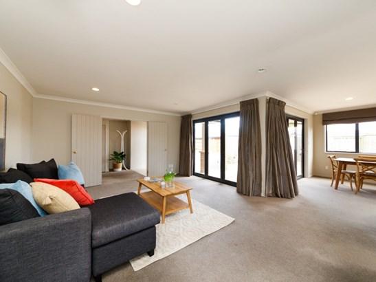 4 Sorrento Place, Kelvin Grove, Palmerston North - NZL (photo 5)