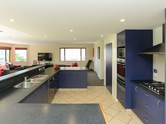 83 Ferry Road, Clive, Hastings - NZL (photo 2)