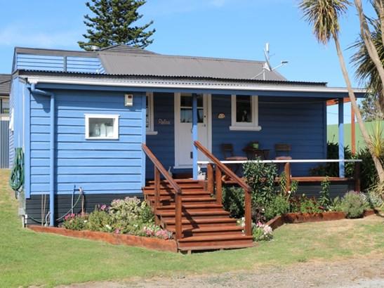 15a Hall Place, Foxton Beach, Horowhenua - NZL (photo 2)