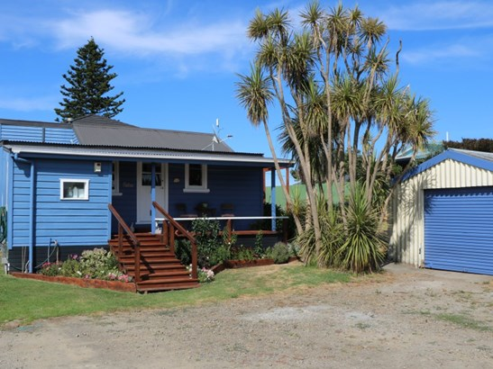 15a Hall Place, Foxton Beach, Horowhenua - NZL (photo 3)