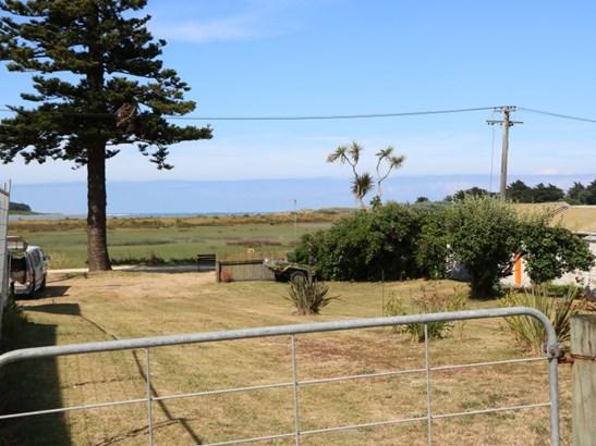 15a Hall Place, Foxton Beach, Horowhenua - NZL (photo 4)