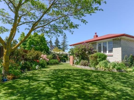 121 Kenilworth Road, Mayfair, Hastings - NZL (photo 2)