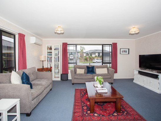 20 Aspen Way, Kelvin Grove, Palmerston North - NZL (photo 5)