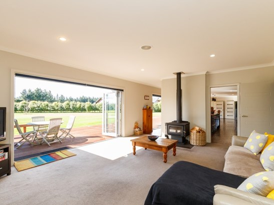 35 Tutakarae Road, Kelvin Grove, Palmerston North - NZL (photo 5)