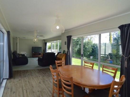 76 Pembroke Street, Carterton - NZL (photo 4)
