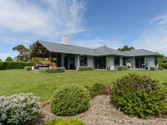 2 Rochfort Street, Otane, Central Hawkes Bay - NZL (photo 1)