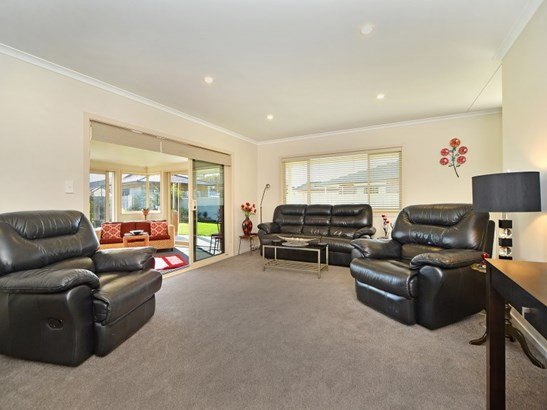 19 Austin Reid Avenue, Carterton - NZL (photo 4)