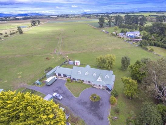 213 Hokio Beach Road, Levin, Horowhenua - NZL (photo 2)