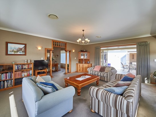 19 Presidential Drive, Milson, Palmerston North - NZL (photo 4)