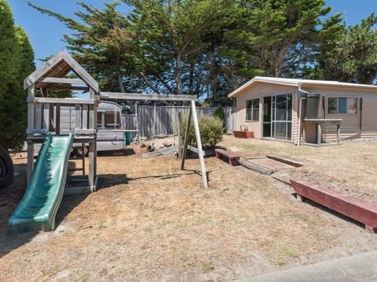 17 Ruanui Street, Himatangi Beach, Manawatu - NZL (photo 5)