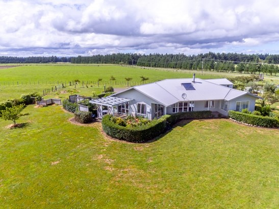 17 Algies Road, Tauherenikau, South Wairarapa - NZL (photo 1)