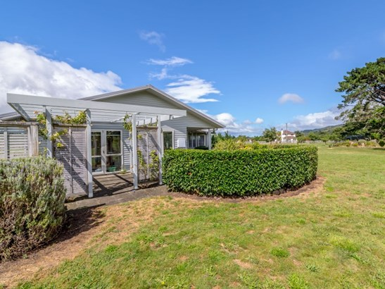 17 Algies Road, Tauherenikau, South Wairarapa - NZL (photo 3)