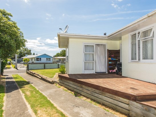 29 Camellia Avenue, Aramoho, Whanganui - NZL (photo 2)