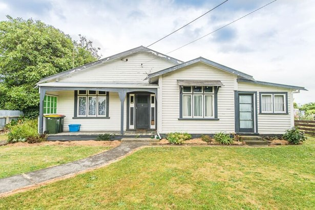 11 Bear Street, Waverley, South Taranaki - NZL (photo 1)