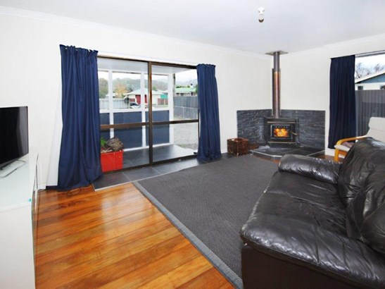 29 Wallace Street, Featherston, South Wairarapa - NZL (photo 4)
