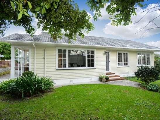 13 Upham Crescent, Taradale, Napier - NZL (photo 1)