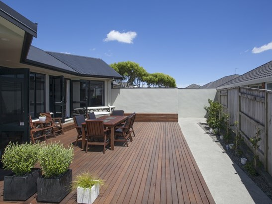 18 Johnstone Drive, Fitzherbert, Palmerston North - NZL (photo 2)