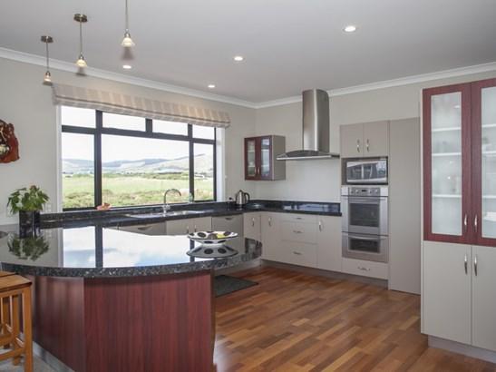 18 Johnstone Drive, Fitzherbert, Palmerston North - NZL (photo 3)