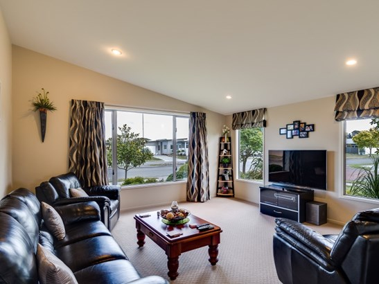 32 Pacific Avenue, Poraiti, Napier - NZL (photo 4)