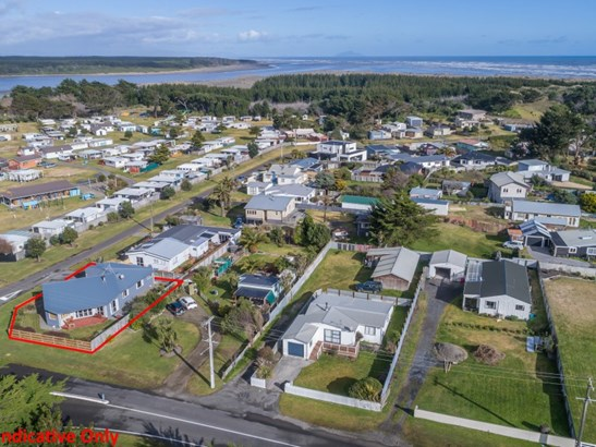2 Holben Parade, Foxton Beach, Horowhenua - NZL (photo 2)