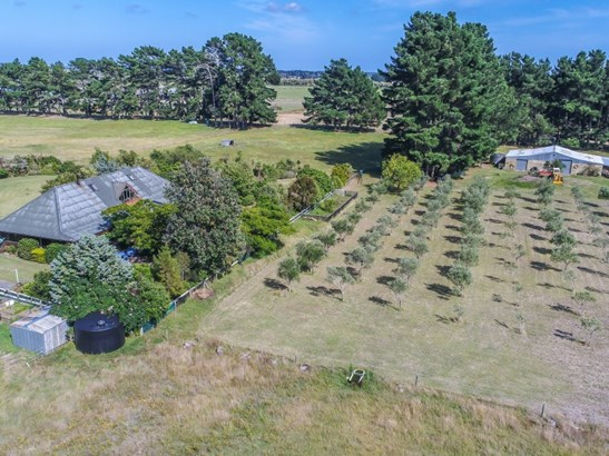 35 Rangiotu Road, Himatangi, Manawatu - NZL (photo 3)