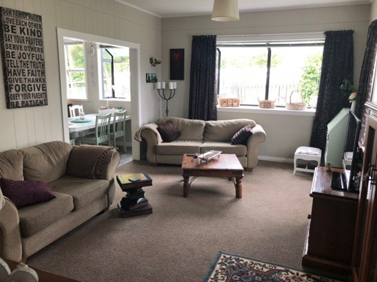 15-17 Grey Street, Shannon, Horowhenua - NZL (photo 3)