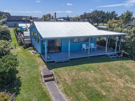 17 Hall Place, Foxton Beach, Horowhenua - NZL (photo 2)
