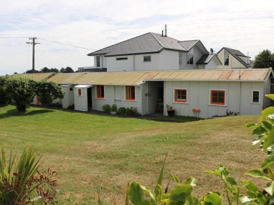 17 Hall Place, Foxton Beach, Horowhenua - NZL (photo 3)