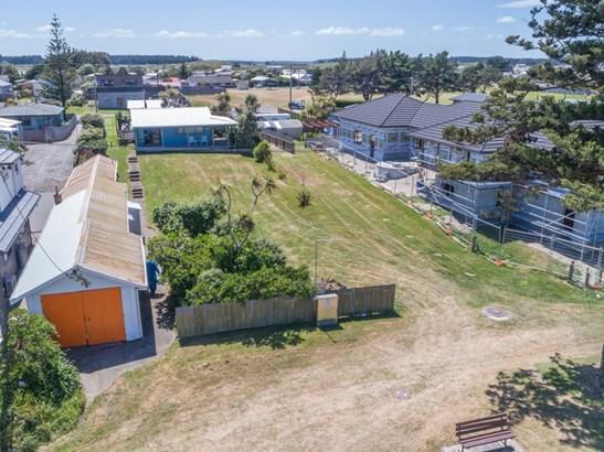 17 Hall Place, Foxton Beach, Horowhenua - NZL (photo 4)