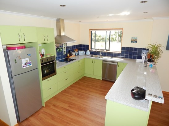 11/133 Powerhouse Road, Westport, Buller - NZL (photo 2)