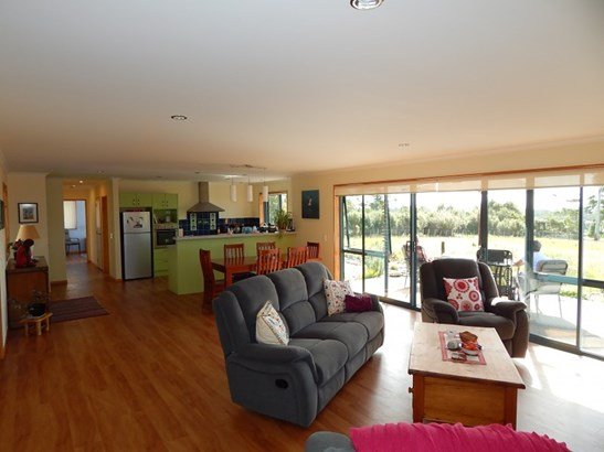 11/133 Powerhouse Road, Westport, Buller - NZL (photo 3)