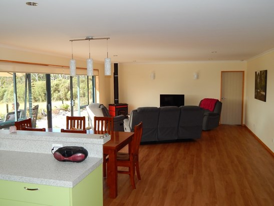 11/133 Powerhouse Road, Westport, Buller - NZL (photo 5)