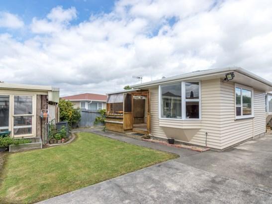 33 Karamea Crescent, Kelvin Grove, Palmerston North - NZL (photo 3)