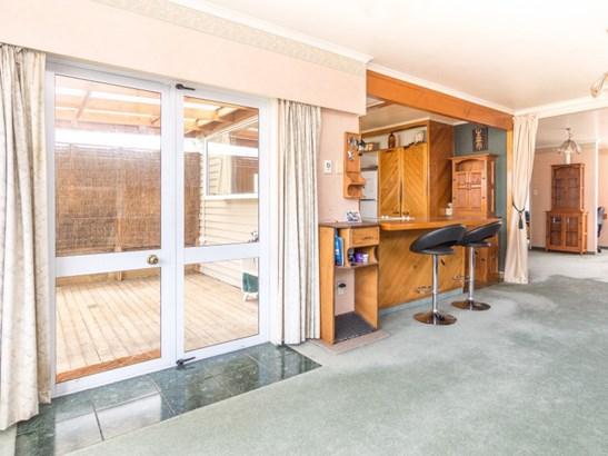 33 Karamea Crescent, Kelvin Grove, Palmerston North - NZL (photo 4)