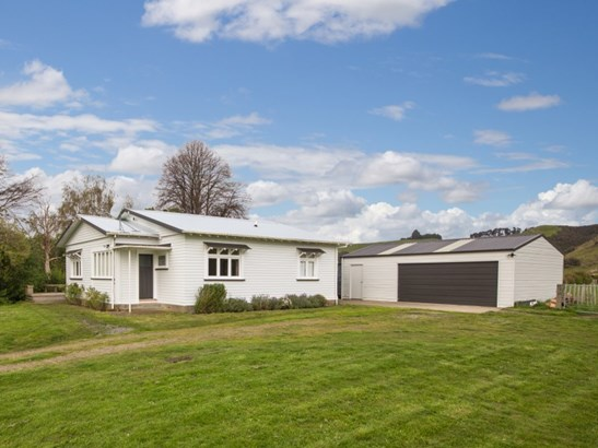 584 Beaconsfield Valley Road, Feilding - NZL (photo 1)