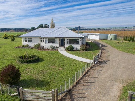 90 Aorangi Road, Maraekakaho, Hastings - NZL (photo 1)