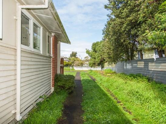 35 Hinemoa Street, Whanganui East, Whanganui - NZL (photo 2)