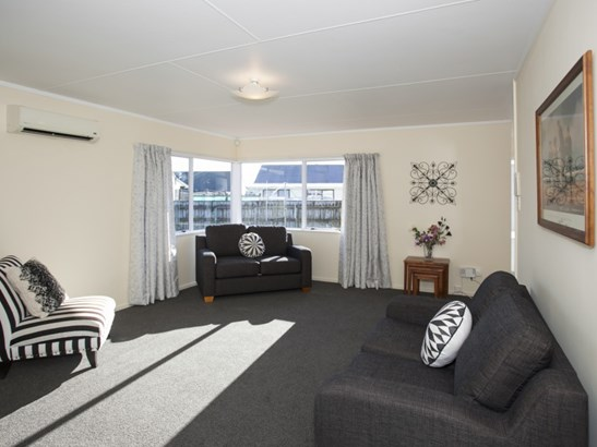 55 Geraldine Crescent, Cloverlea, Palmerston North - NZL (photo 5)