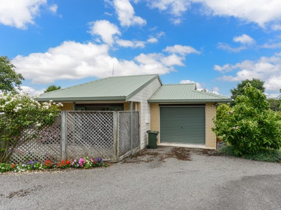 9a Holyrood Terrace, Waipukurau, Central Hawkes Bay - NZL (photo 2)