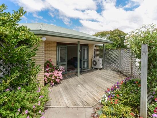 9a Holyrood Terrace, Waipukurau, Central Hawkes Bay - NZL (photo 3)
