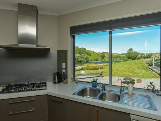 1127 Pourerere Road, Omakere, Central Hawkes Bay - NZL (photo 5)