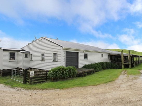 1530 Waihi Valley Road , Pongaroa, Tararua - NZL (photo 4)