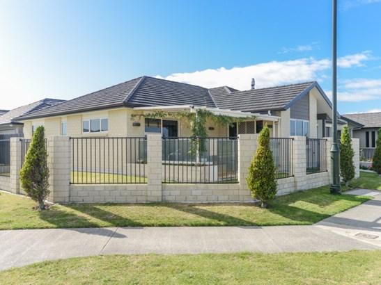 66 Orotu Drive, Poraiti, Napier - NZL (photo 2)