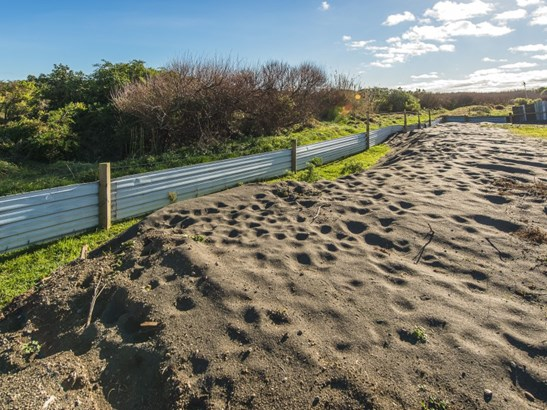 23 Egmont Street, Castlecliff, Whanganui - NZL (photo 3)